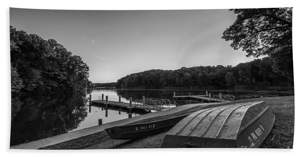 Lincoln Trail State Park Bath Sheet featuring the photograph Lincoln Trail State Park Bw by Michael Ver Sprill