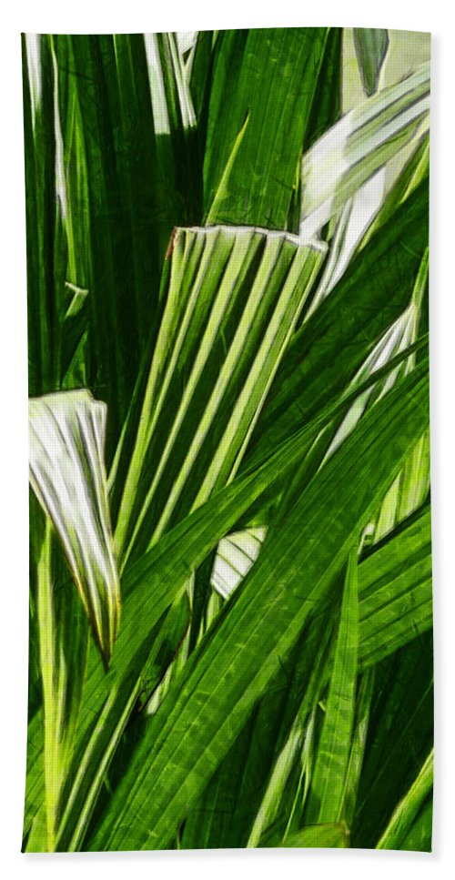 Reed Hand Towel featuring the photograph Lines Of Nature by Steve Taylor