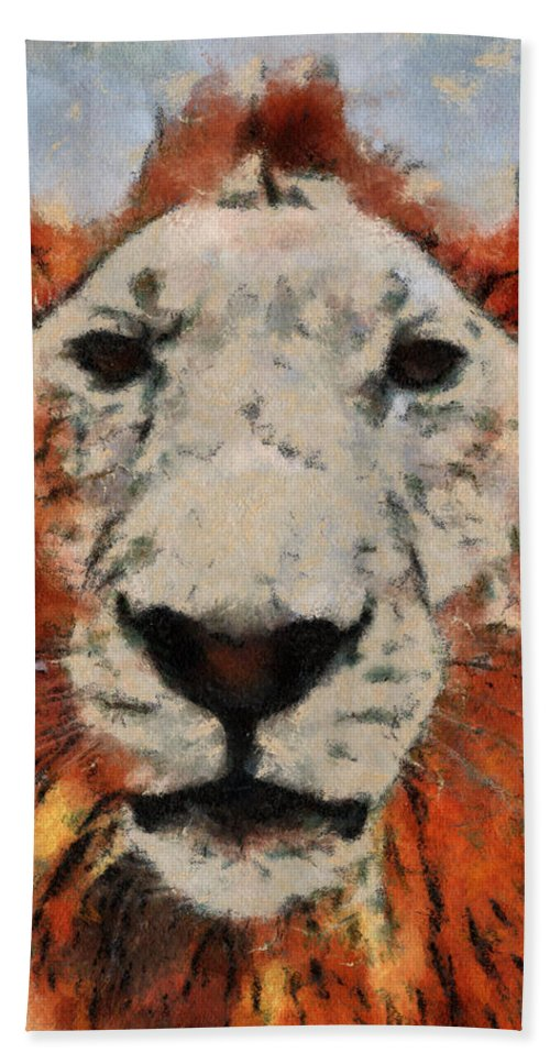 Lion Bath Sheet featuring the photograph Lionart by Alice Gipson