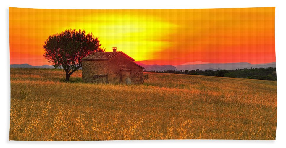 France Hand Towel featuring the photograph Little House On The Prairie by Midori Chan