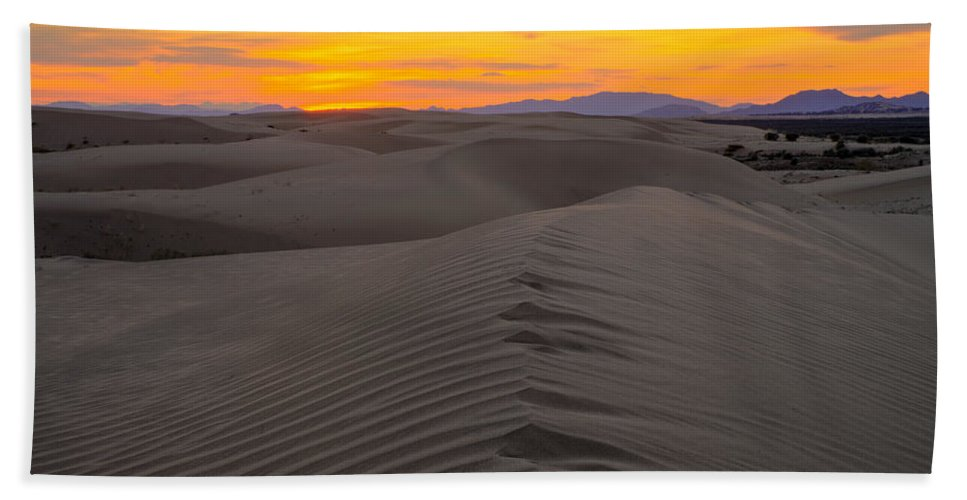 Utah Hand Towel featuring the photograph Little Sahara by Dustin LeFevre