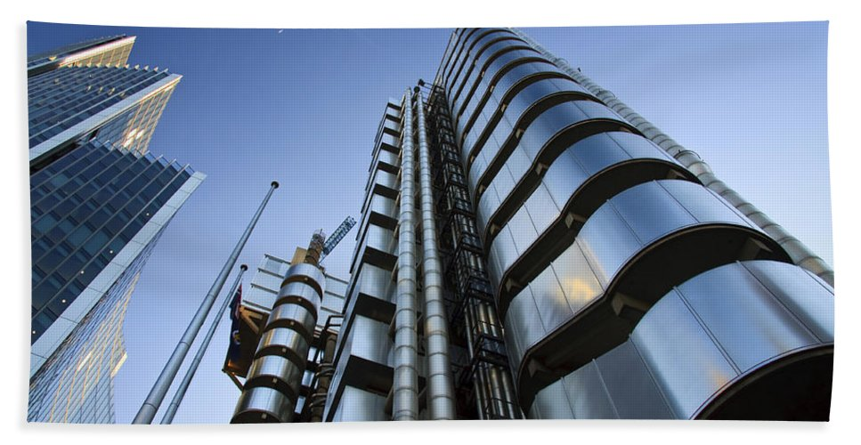 United Kingdom Hand Towel featuring the photograph Lloyd's Building. by Milan Gonda