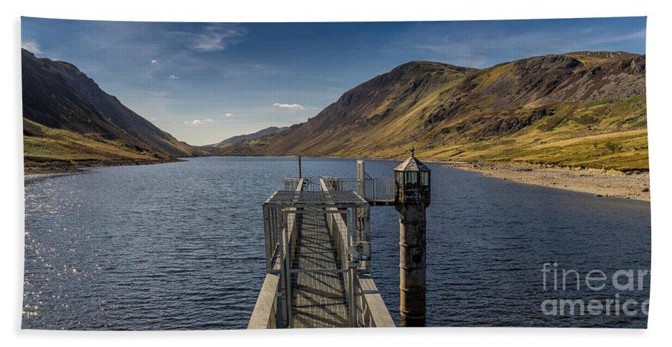 Reservoir Hand Towel featuring the photograph Llyn Cowlyd Reservoir by Adrian Evans