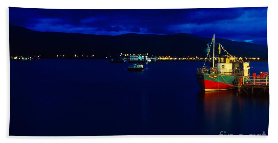 Fort Hand Towel featuring the photograph Loch Linnhe By Night by Riccardo Mottola