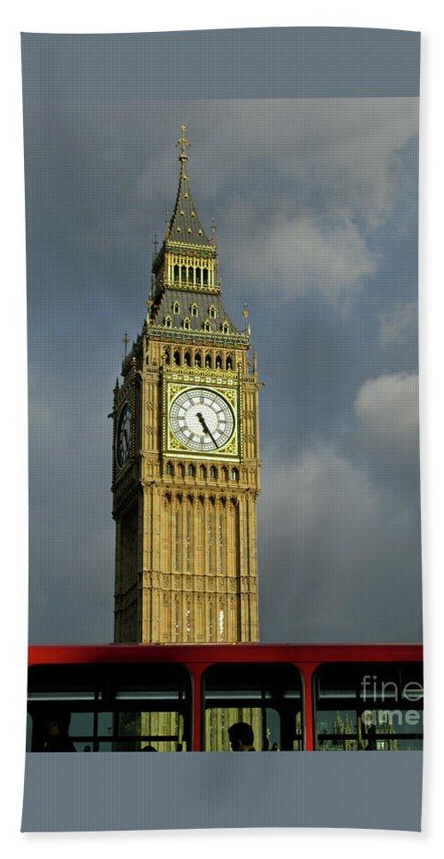 London Icons By Ann Horn Bath Sheet featuring the photograph London Icons by Ann Horn
