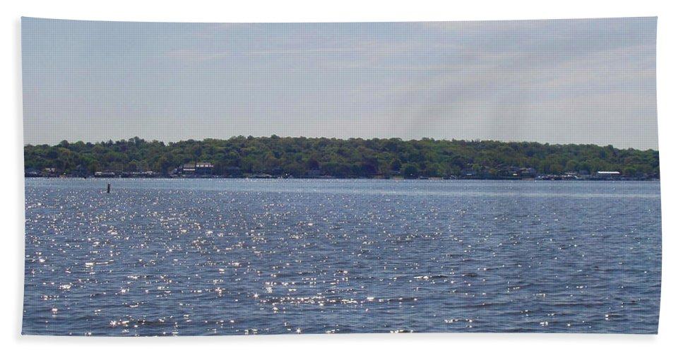 Long Island Sun At Midday Bath Sheet featuring the photograph Long Island Sun At Midday by John Telfer