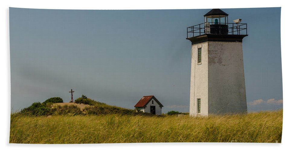 Long Point Hand Towel featuring the photograph Long Point Lighthouse by Pat Lucas