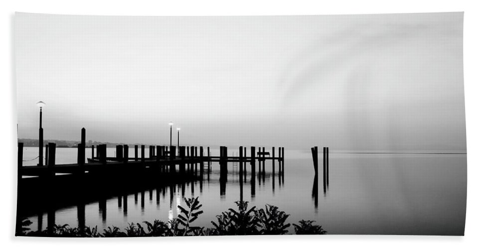 Chesapeake Bay Hand Towel featuring the photograph Looking Beyond by Crystal Wightman