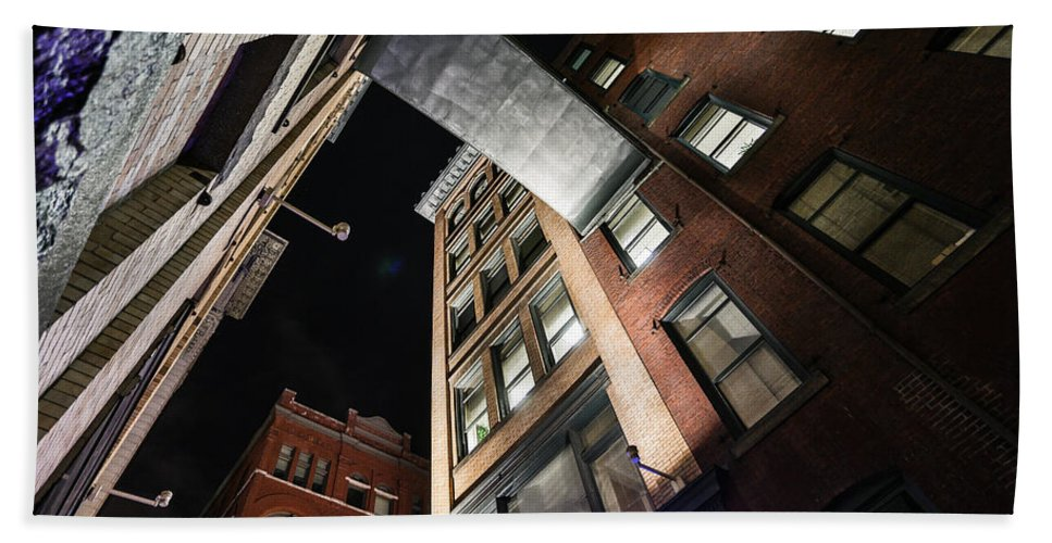 Pittsburgh Skyline Urban Night Pa. Pennsylvania Taaffe Hdr Bath Sheet featuring the photograph Looks by Jimmy Taaffe