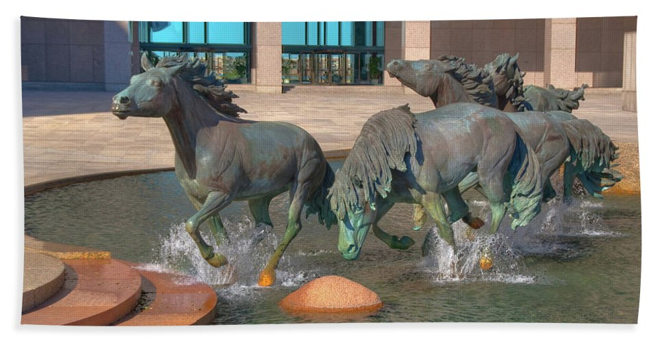 Sculptures Hand Towel featuring the photograph Los Colinas Mustangs 14675 by Guy Whiteley