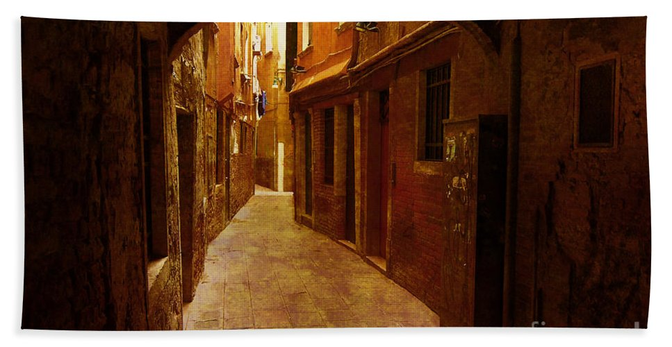 Alley Bath Sheet featuring the photograph Lost In Venice by Mike Nellums