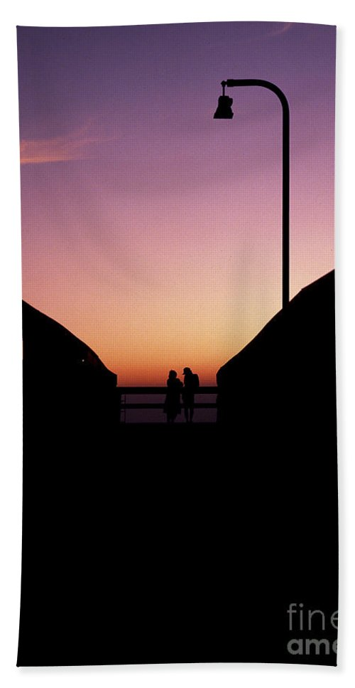 Lovers Bath Sheet featuring the photograph Lovers' Pier At Lake Ponchartrain by Mike Nellums