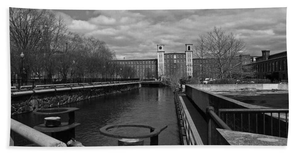 Architecture Hand Towel featuring the photograph Lowell Ma Architecture Bw by Michael Saunders