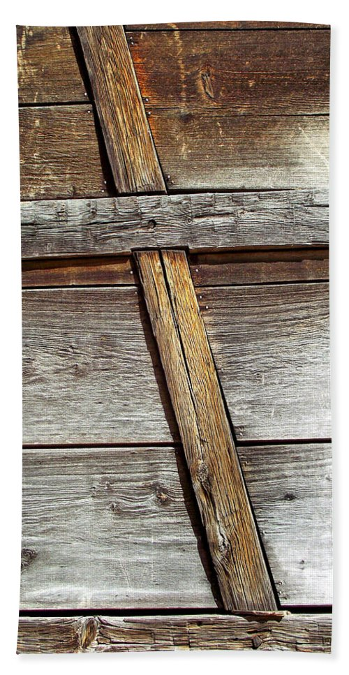 Wood Bath Sheet featuring the photograph Lumber Work On The Side Of Old Cabin by Duane McCullough