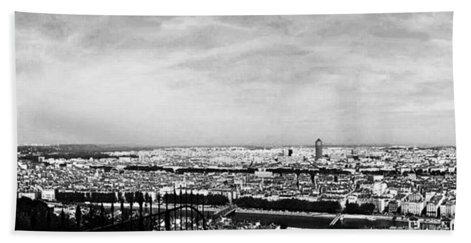 Wright Bath Sheet featuring the photograph Lyon From The Basilique De Fourviere-bw by Paulette B Wright