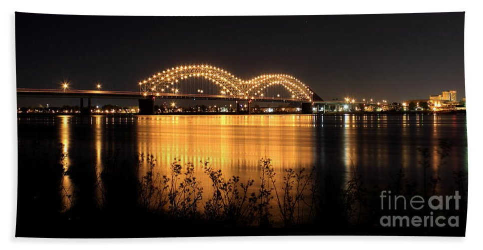 Reid Callaway M Bridge Hand Towel featuring the photograph The Hernando De Soto Bridge M Bridge Or Dolly Parton Bridge Memphis Tn by Reid Callaway