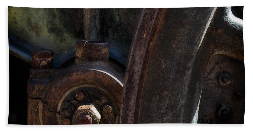Pareidoia Hand Towel featuring the photograph Mechanical Pareidolia by Gary Warnimont