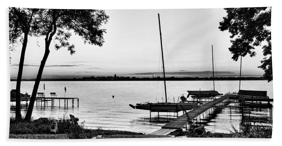Monona Hand Towel featuring the photograph Madison Capitol Across Lake Monona by Steven Ralser
