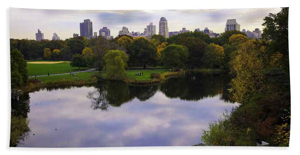 Water Hand Towel featuring the photograph Magical 1 - Central Park - New York by Madeline Ellis