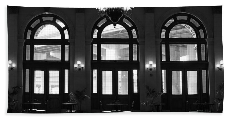 Richmond Hand Towel featuring the photograph Main Street Station by Tina Meador