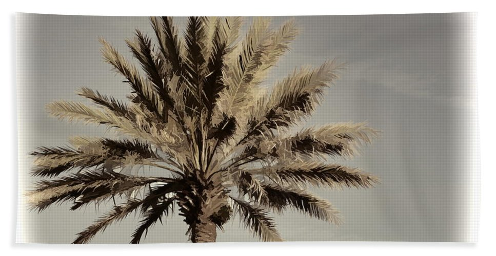 Palm Tree Florida Majestic Bath Sheet featuring the photograph Majestic Palm by Alice Gipson