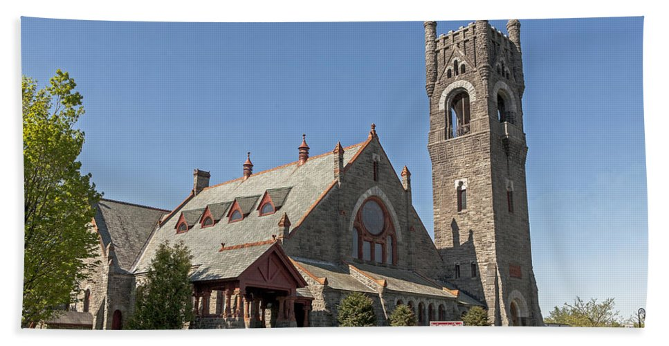 Malone Hand Towel featuring the photograph Malone Church by Eric Swan