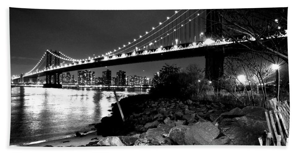 8x10 Hand Towel featuring the photograph Manhattan Bridge Black And White by Toby McGuire