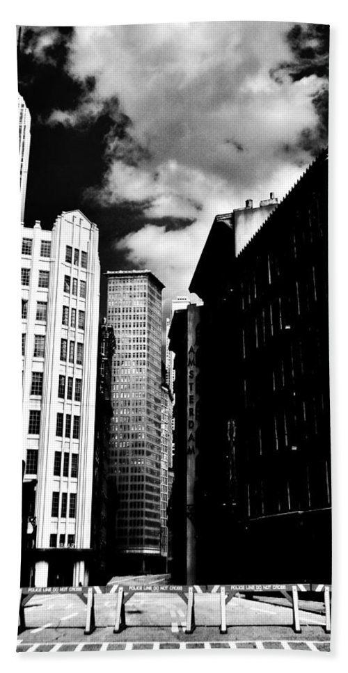 Manhattan Bath Sheet featuring the photograph Manhattan Highlights B W by Benjamin Yeager