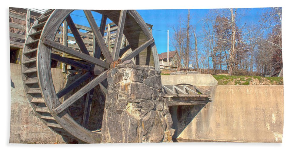 Mansfield Mill Photographs Hand Towel featuring the photograph Mansfield Mill Water Wheel by Thomas Sellberg