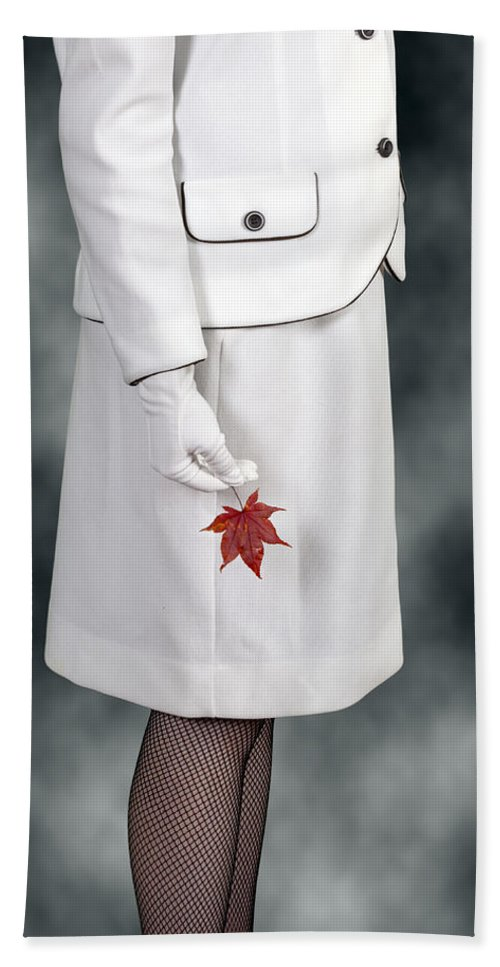 Woman Hand Towel featuring the photograph Maple Leaf by Joana Kruse