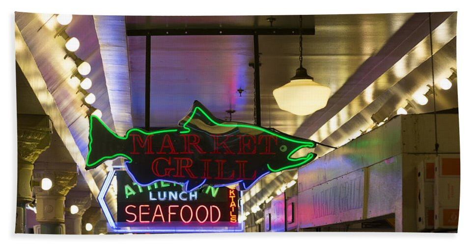 Sign Hand Towel featuring the photograph Market Grill by Scott Campbell