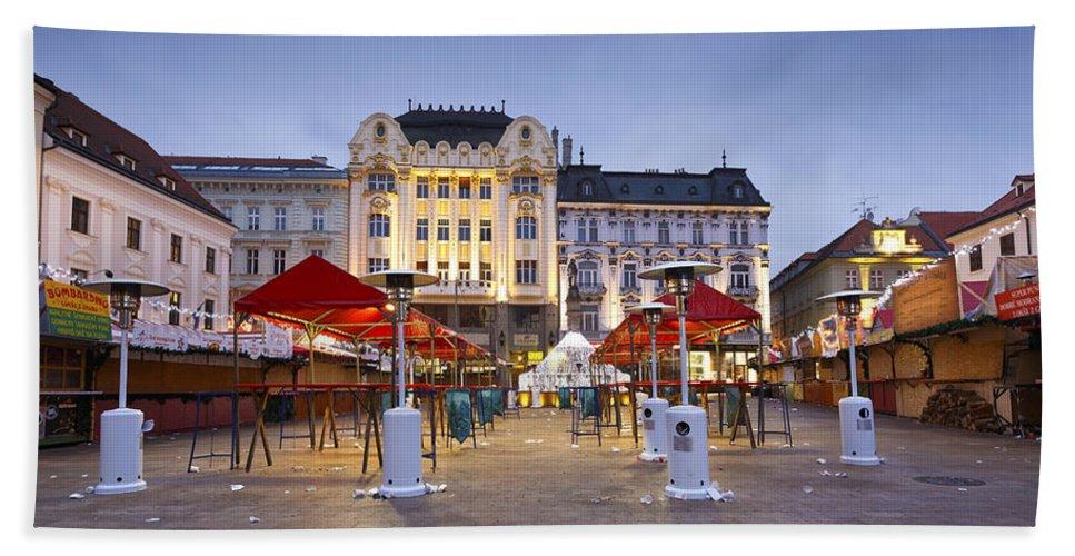 Bratislava Bath Sheet featuring the photograph Market by Milan Gonda