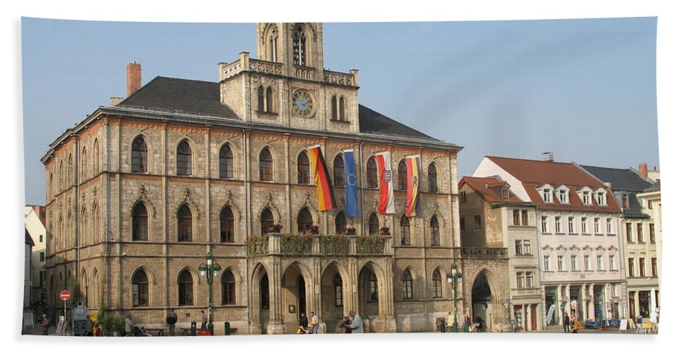 Market Place Bath Sheet featuring the photograph Market Place Weimar - Unesco Heritage Site by Christiane Schulze Art And Photography