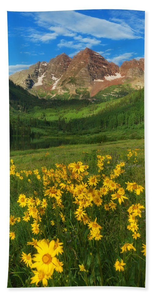 Colorado Landscapes Bath Sheet featuring the photograph Maroon Summer by Darren White
