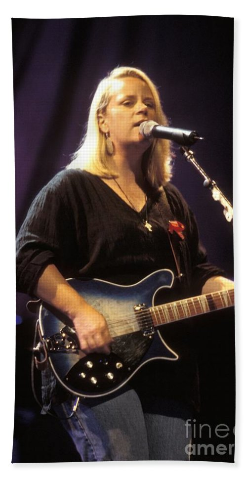 Country Bath Sheet featuring the photograph Mary Chapin Carpenter by Concert Photos
