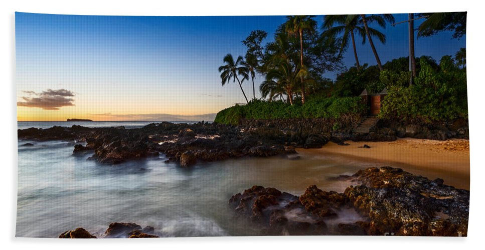 Secret Beach Hand Towel featuring the photograph Maui Cove - Beautiful And Secluded Secret Beach. by Jamie Pham
