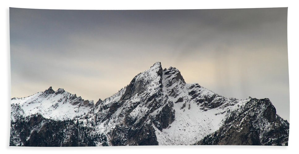 Mountains Hand Towel featuring the photograph Mcgown Peak Beauty America by Ed Riche