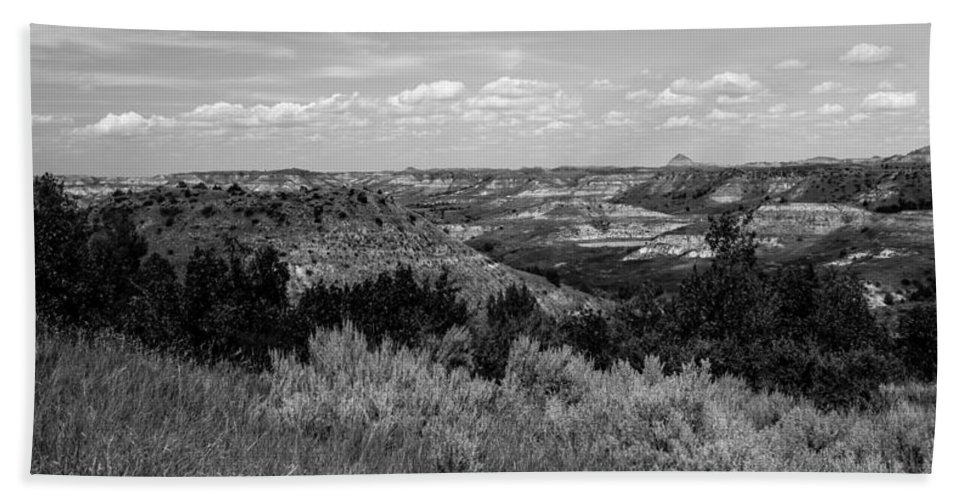 Badlands Hand Towel featuring the photograph Medora 15 by Chad Rowe