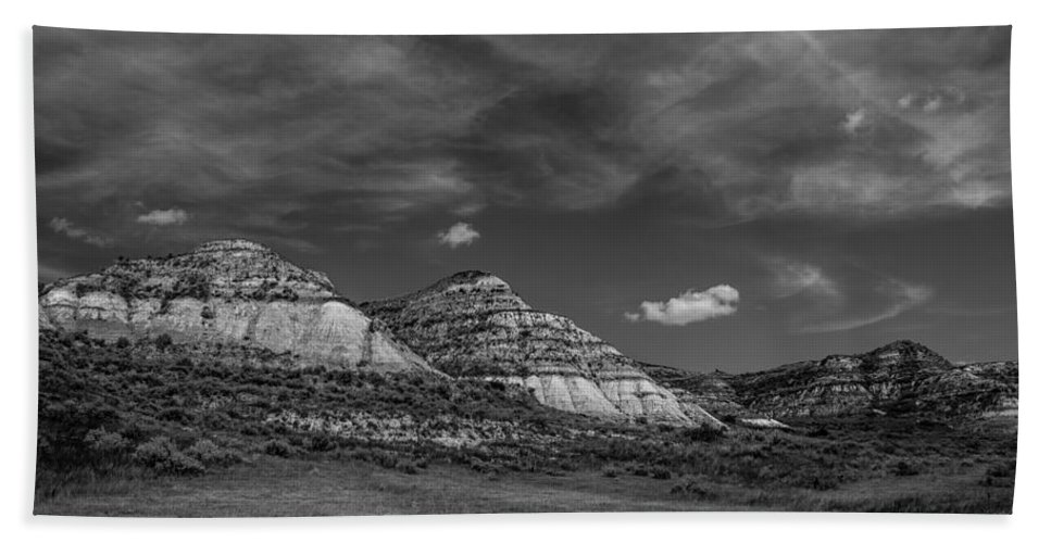 Badlands Hand Towel featuring the photograph Medora 26 by Chad Rowe