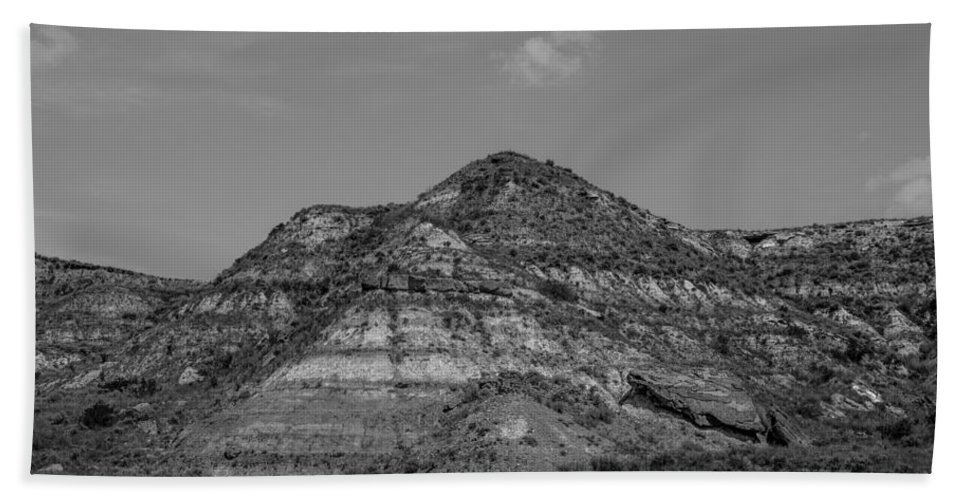 Badlands Hand Towel featuring the photograph Medora 27 by Chad Rowe
