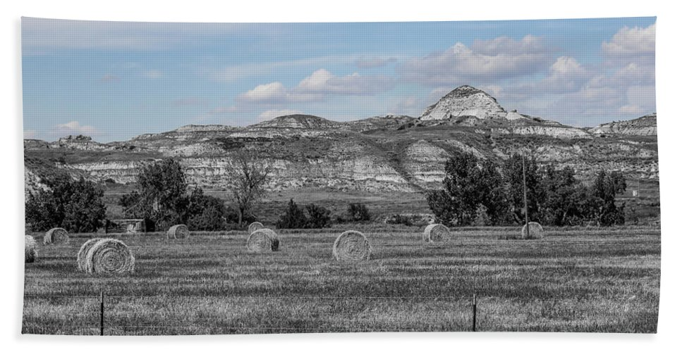 Badlands Hand Towel featuring the photograph Medora 31 by Chad Rowe