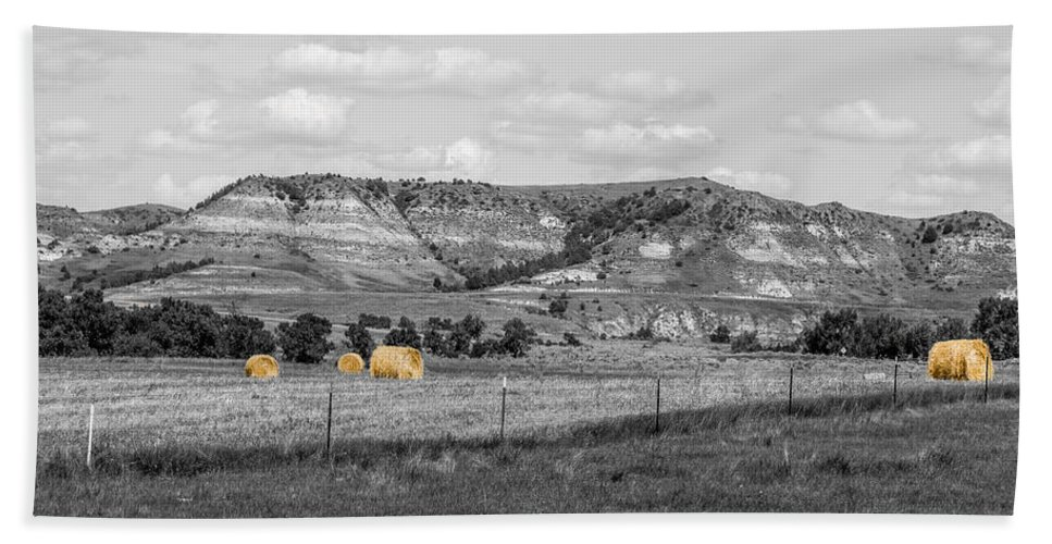 Badlands Hand Towel featuring the photograph Medora 33 by Chad Rowe
