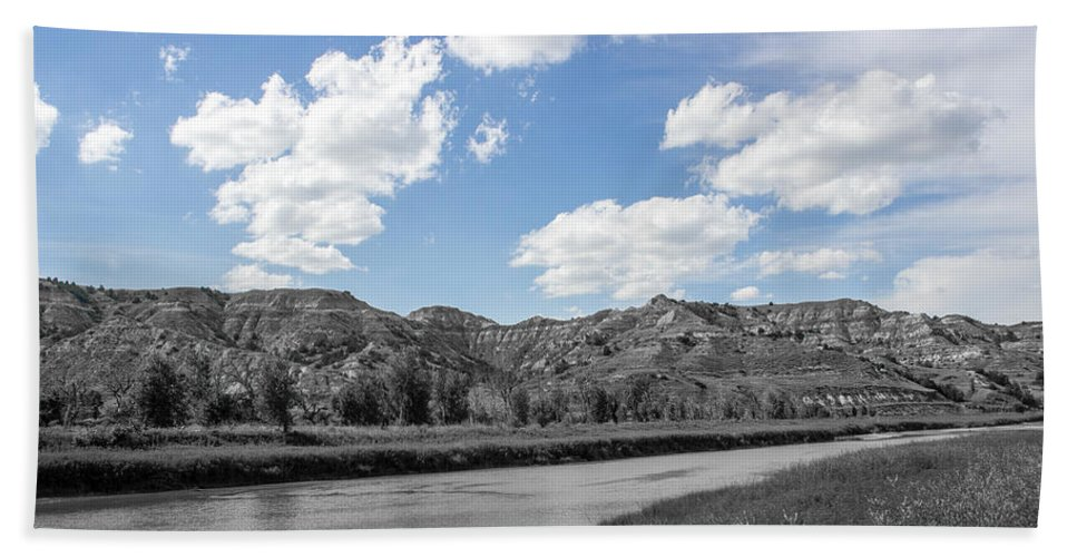 Badlands Hand Towel featuring the photograph Medora 38 by Chad Rowe