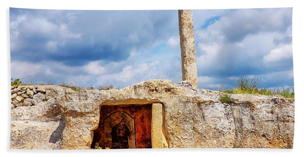 Menhir Bath Sheet featuring the photograph Menhir Di San Paolo by Fabrizio Troiani