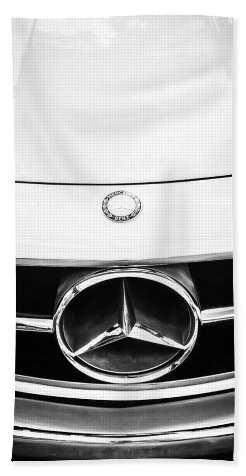 Mercedes-benz Grille Emblem Hand Towel featuring the photograph Mercedes-benz Grille Emblem -0230bw by Jill Reger