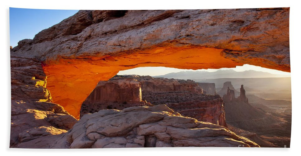 America Hand Towel featuring the photograph Mesa Arch At Dawn by Brian Jannsen