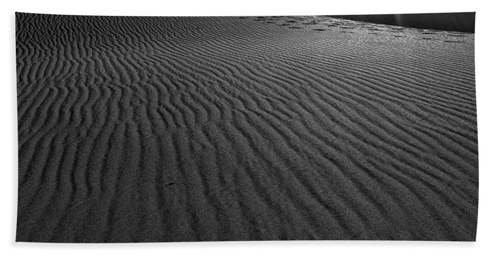 Mesquite Sand Dunes Hand Towel featuring the photograph Mesquite Sand Dunes by Angela Stanton