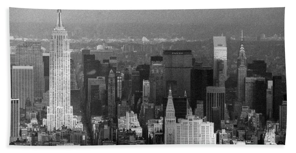New York Hand Towel featuring the photograph Midtown Manhattan 1980s by Gary Eason