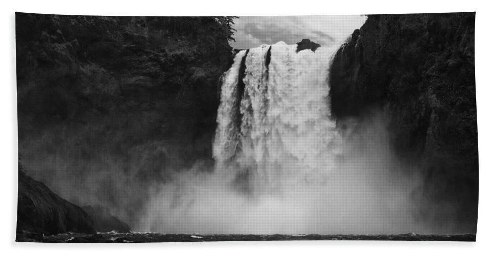 Salish Lodge Hand Towel featuring the photograph Mighty Snoqualmie by Mark Kiver