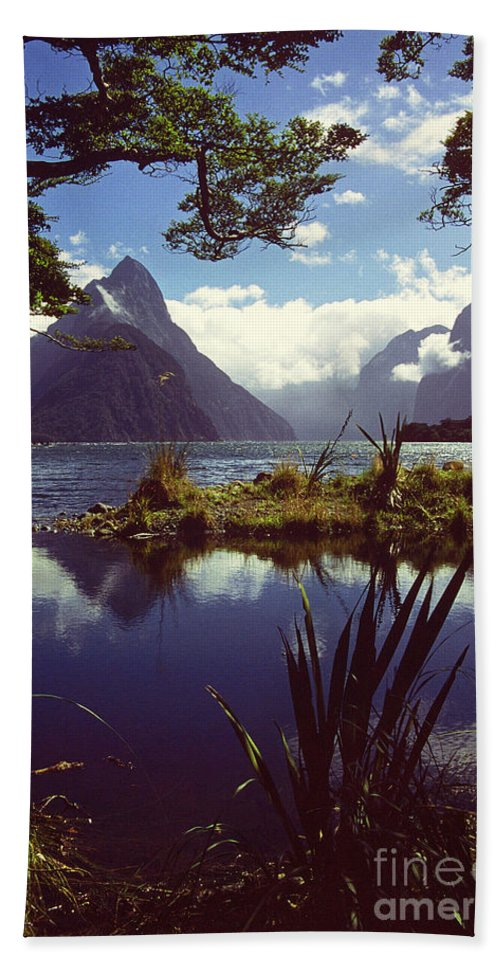 Landscape Hand Towel featuring the photograph Milford Sound In New Zealand's Fiordland National Park by Alex Cassels